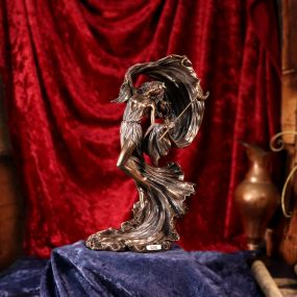 Nyx Greek Goddess of the Night 27.5cm